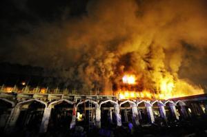 Hotel Marriott burning