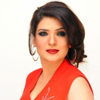 Resham as Pari Zad (Zaini)